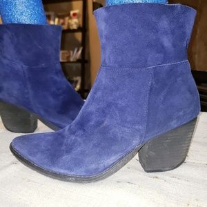 ALDO BLUE SUEDE PULL ON SLOUCHY ANKLE BOOTS 😍